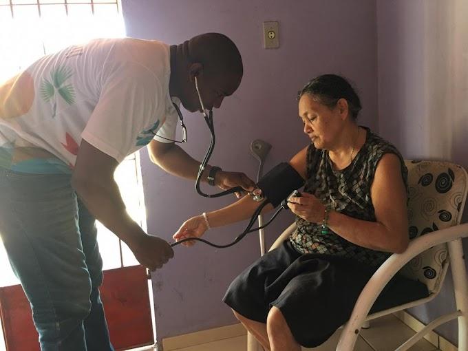 DRAMA: Médico cubano desempregado tenta vaga de gari, mas é recusado no Piauí
