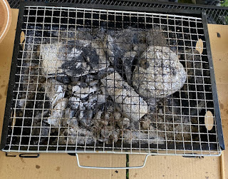 ダイソー ミニBBQグリル 炭の追加方法