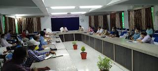 कोरोना वायरस के संक्रमण से बचाव/रोकथाम हेतु गोष्ठी आयोजित - जिलाधिकारी जालौन  Seminar organized for prevention of corona virus infection - DM Jalaun     संवाददाता, Journalist Anil Prabhakar.                 www.upviral24.in