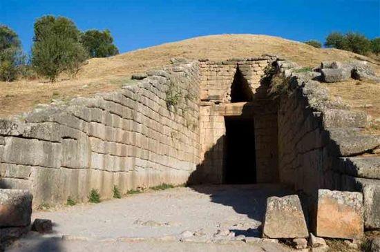 Tomba di Agamennone nell'antica Micene, scoperta da Heinrich Schliemann.