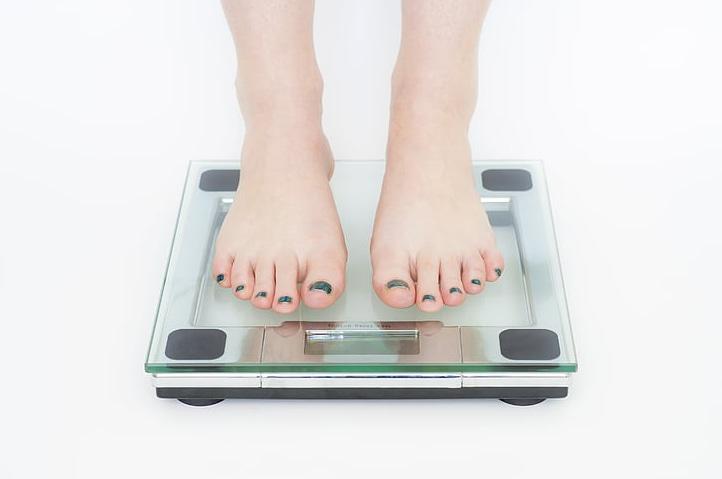 الدورة الشهرية، زيادة الوزن، حمية، المرأة، الحيض