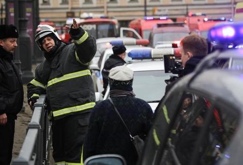 صُحف الجمعة: الإرهاب يَضرب المدينة التي ستحتصن مباراة المنتخب ضد إيران في المونديال