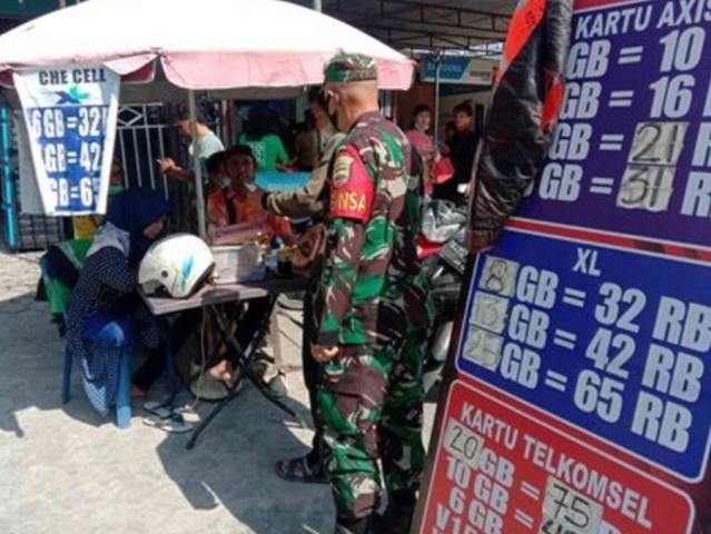Tepatnya Di Pasar Dwikora, Personel Jajaran Kodim 0207/Simalungun Laksanakan Gakplin Kepada Pedagang Dan Pembeli