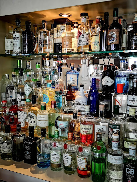 gins,collection-de-gin,pub-ile-noire,montreal,saint-denis,meilleur,madame-gin