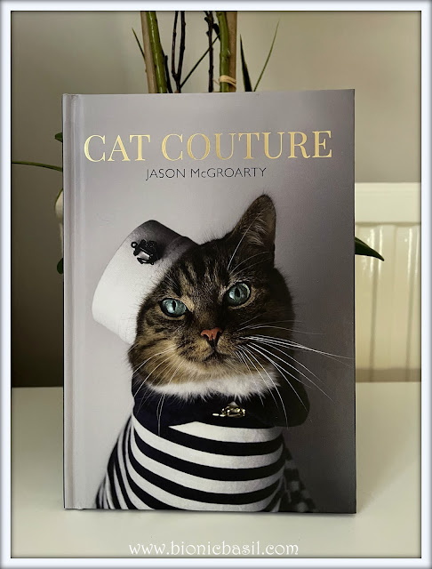 Book Reviews with Amber #163 ©BionicBasil® Cat Couture - Amber's Purrsonal Copy