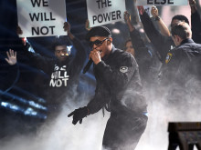 http://www.blackhollywoodreports.com/2016/10/ti-powerful-stage-performance-at-bet-awards-dress-like-the-black-panther-TIP-stage-performance-Black-Hollywood-news-entertainment.html