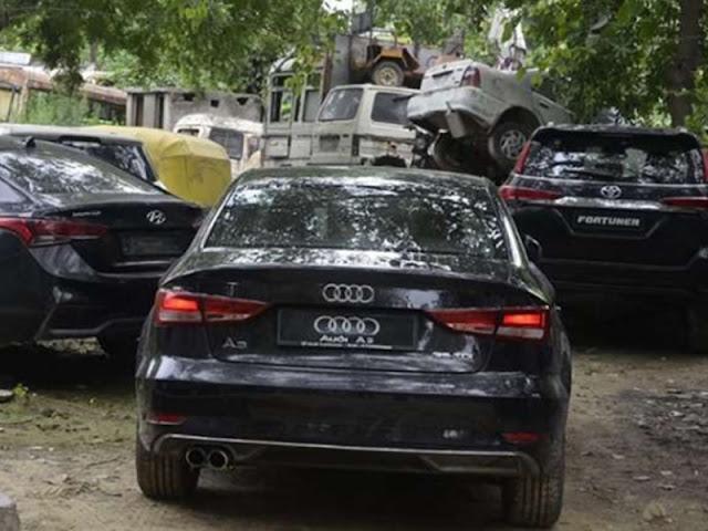 विकास दुबे के कानपुर कनेक्शन को खंगाल रही पुलिस ने तीन लग्जरी लावारिस कारें बरामद कीं