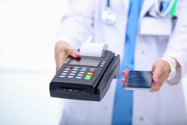 Asuransi-Cashless-dan-Reimburse,-Berbedakah?