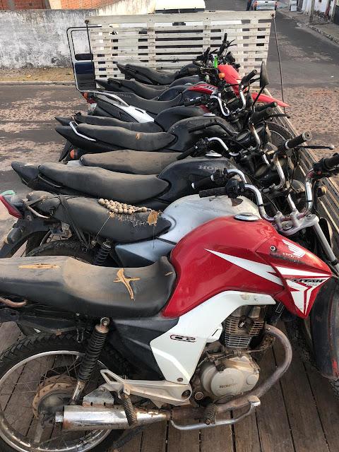 Polícia Militar de Mata Roma apreende 12 motocicletas roubadas e com chassi adulterado.