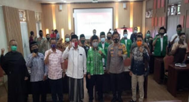 Deklarasi Anti Kekerasan Di Ikuti Elemen danTokoh Masyarakat Di Gedung Rupatama Mapolres Jember.Wujudkan  Tetciptanya Kondisifitas
