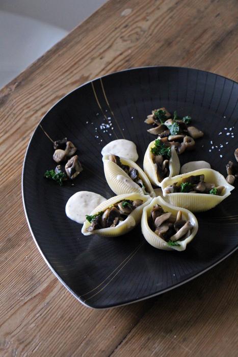 Gefüllte Muschelnudeln mit Pilzen