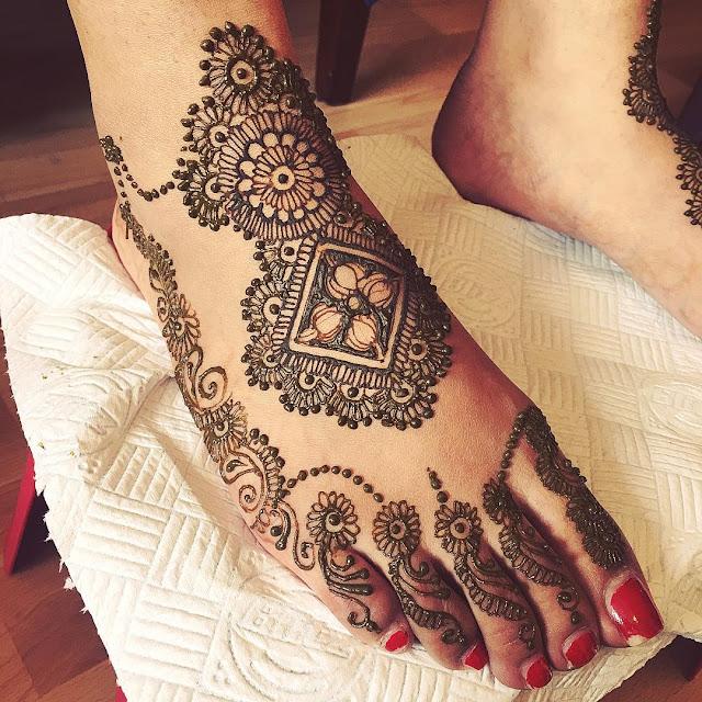 Mehndi Designs for Legs or Feet