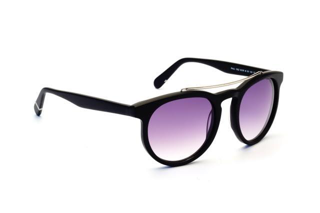 Pour les lunettes de soleil que j ai pu voir et tester, il est vrai que les  montures font la part belle aux tendances. Des lunettes modernes, pleine de  ... c3a78615fdd8