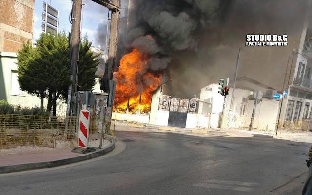 Αργολίδα: Καταστράφηκε ολοσχερώς από πυρκαγιά παλιά κατοικία στο Άργος