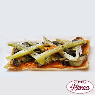 RECETA: coca de calçots y alcachofas con Romesco y Salsa de Calçots - Olivera d'Atenea