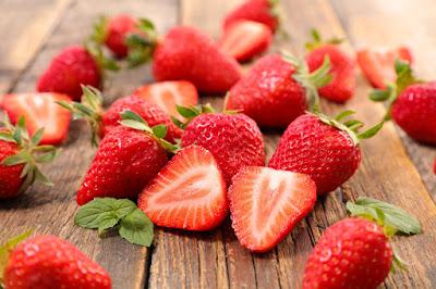 Çilek Meyvesi Nedir? Ne Zaman Yetişir ve Faydaları Nelerdir?