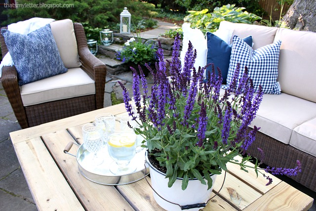 outdoor summer patio furniture