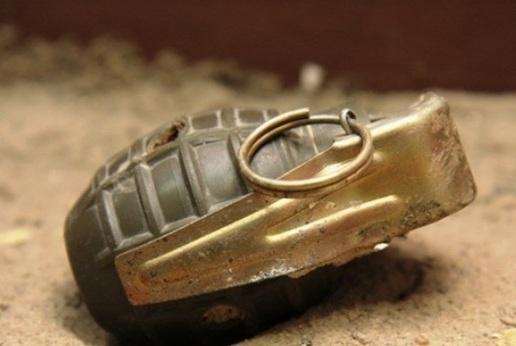 بسبب فتاة شجار بالقنابل يوقع 58 مصابا بدف الشوك بدمشق!!