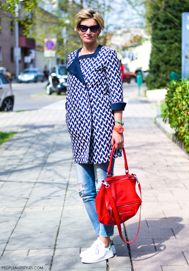 How to wear white sneakers adidas Stan Smith and preppy style, street style look, Anja Lutilsky Drimia Ana Šarić