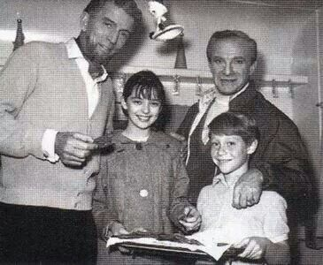 Michael Rennie, Jonathan Harris, Angela Cartwright, and Bill Mumy on the set of Lost in Space randommusings.filminspector.com