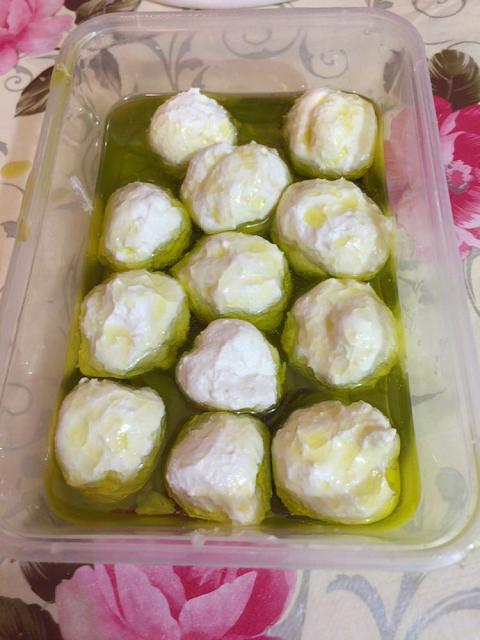 לבאנה בשמן זית כמו במסעדה Labaneh in olive oil