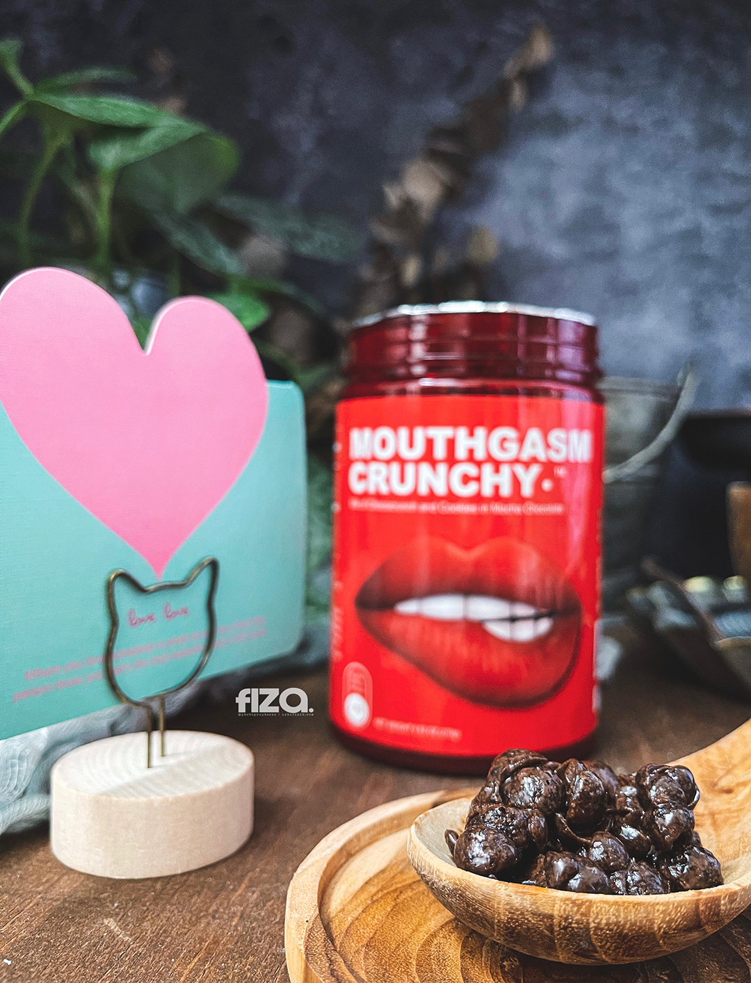 Mouthgasm Crunchy Close Up
