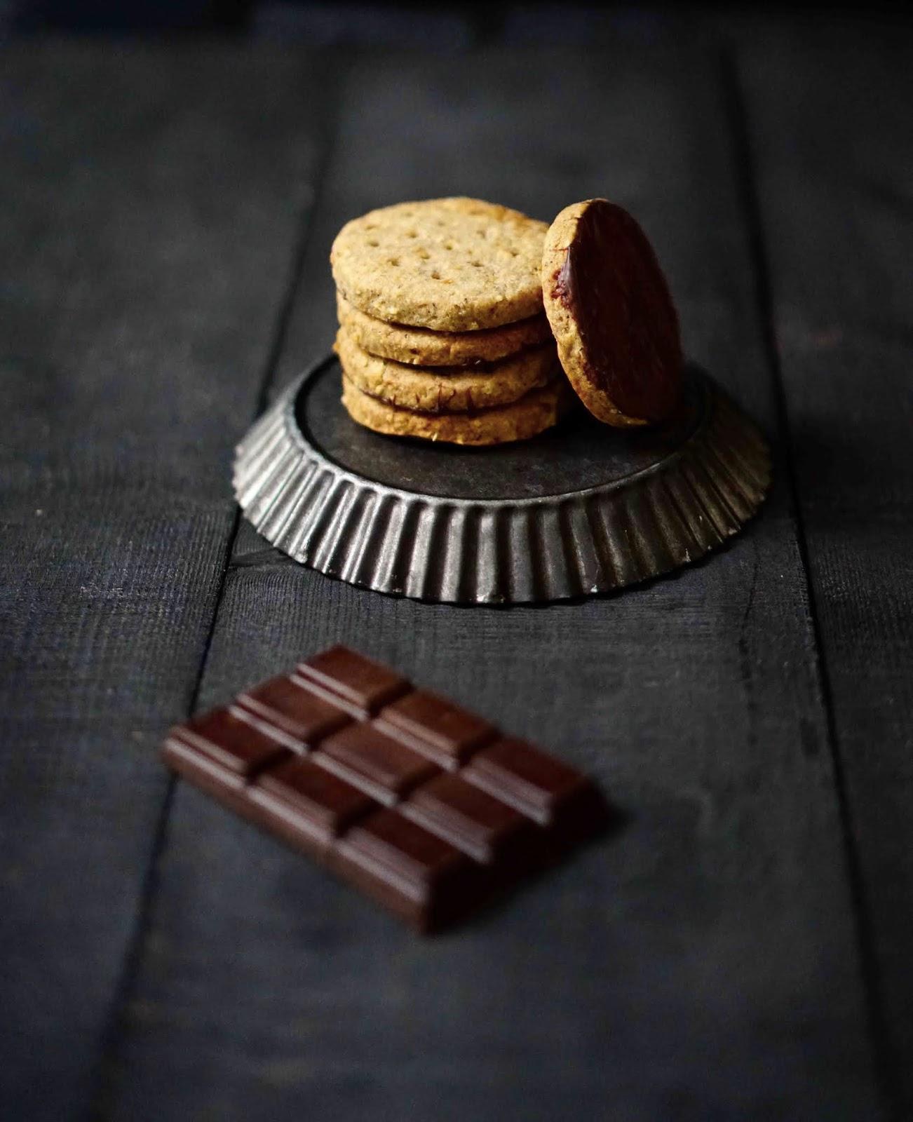 cookies , biscuits digestive , biscuits au chocolat , cookies