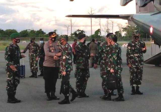 Muhammad Herindra dan Rombongan Mabes TNI Tiba di Kepulauan Tanimbar