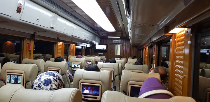 gerbong priority VIP Argo Parahyangan Bandung Gambir Jakarta