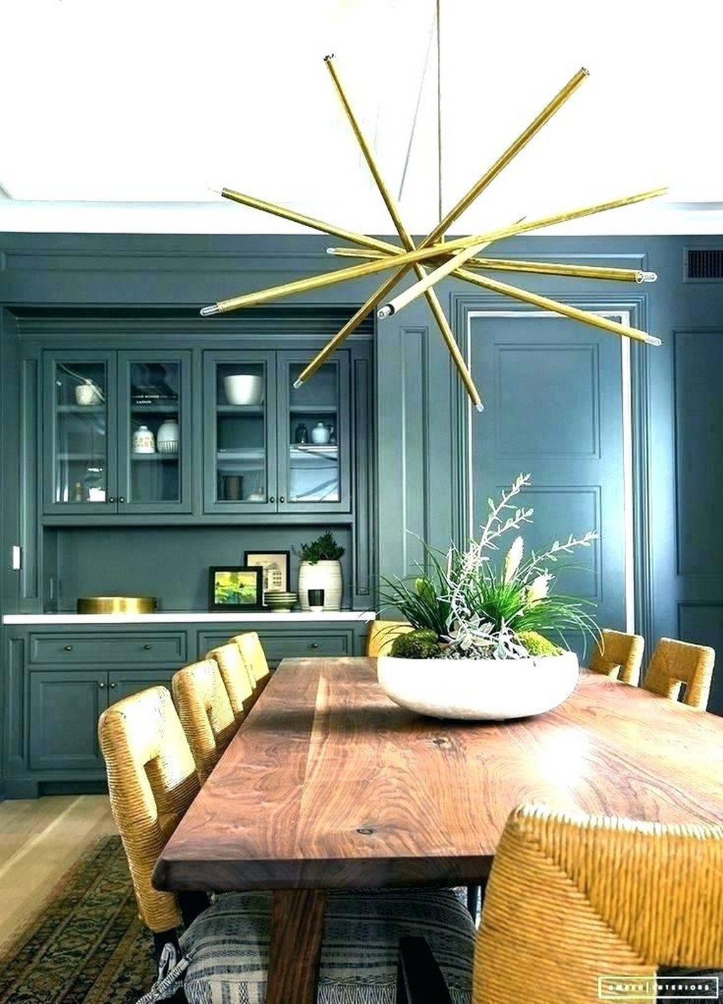 Fascinating Arrangement Concept of Dining Room That You Must Follow