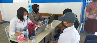 SMP Negeri 50 Makassar , Mendapatkan Vaksin Covid19 dari Tim Vaksinator Door to door Polres Pelabuhan Makassar