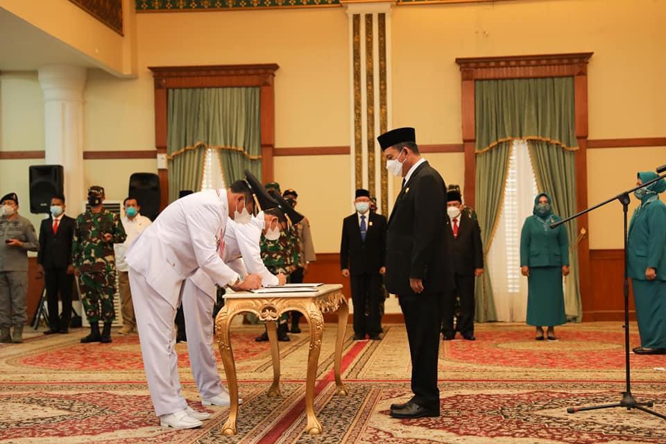 Gubernur Kepri Melantik Rudi-Amsakar Menjadi Walikota dan Wakil Walikota Batam