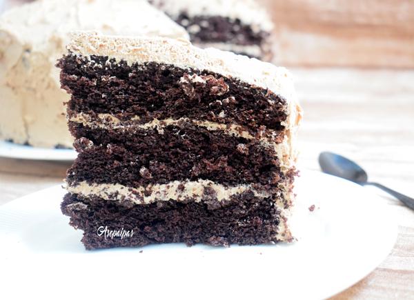 Tarta de Chocolate con Frosting de Chocolate. Vídeo Receta