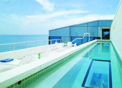 Una piscina en la terraza for Construir alberca en azotea