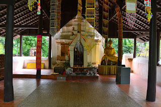 Wat Phra Doi Pu Khao