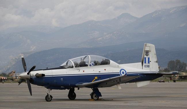 Καλαμάτα: Εντυπωσιακή αεροπορική επίδειξη στην 120 ΠΕΑ (BINTEO)