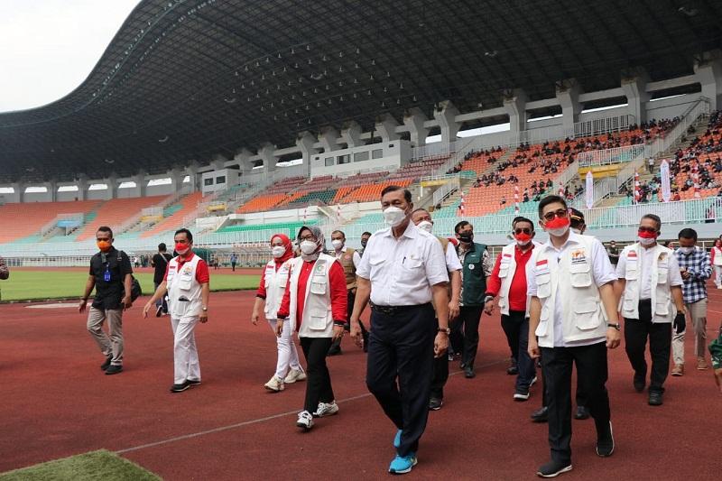 Luhut Ungkap China Bakal Bangun Pabrik Vaksin di Indonesia, April Tahun Depan Sudah Mulai Produksi