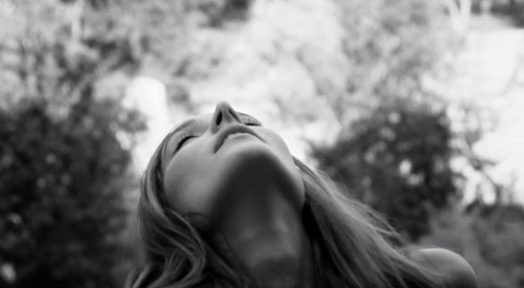 Zadig&Voltaire pubblicità profumo femminile This is HER: la modella è
