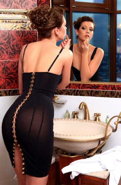 Super sexy fitted black dress