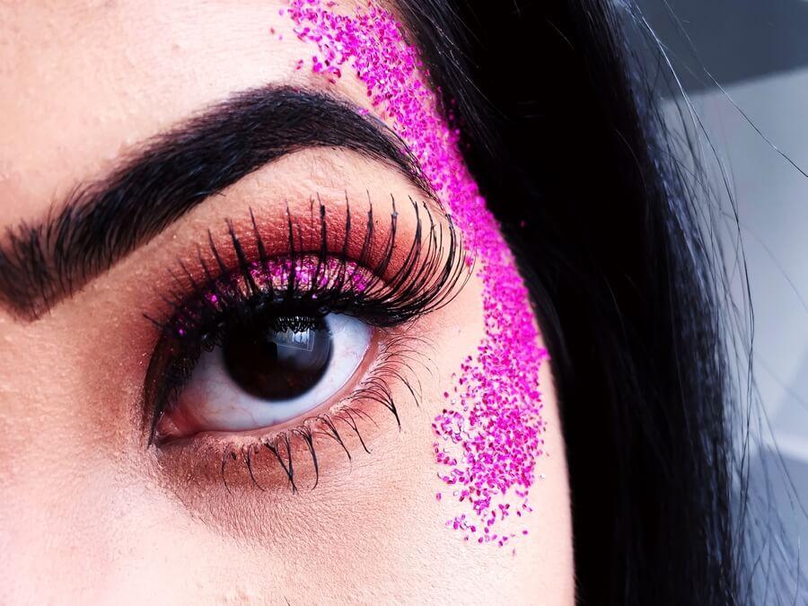 Maquiagem com glitter para o carnaval!