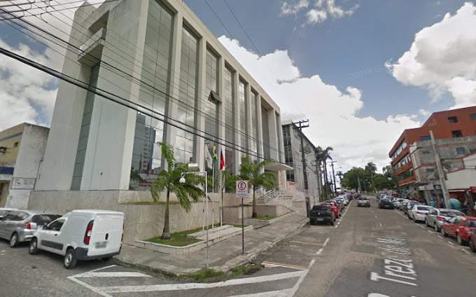 Ministério Público investiga se prefeito da PB reajustou o próprio salário sem aval da Câmara