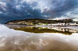 Pueblo y Playa de Pendine Sand Beach Wales Gales UK