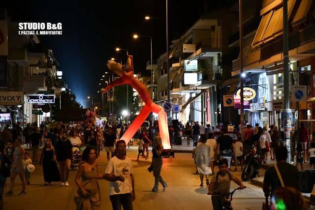 """Ικανοποίηση και αισιοδοξία από τον εμπορικό κόσμο για την 2η """"Λευκή Νύχτα"""" στο Ναύπλιο"""