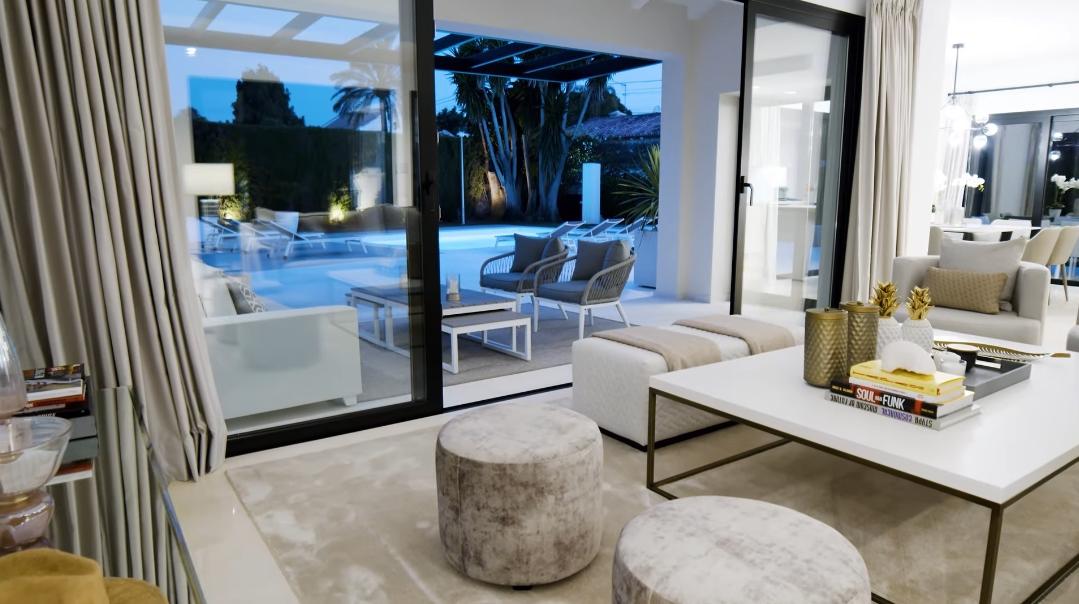 23 Interior Design Photos vs. Villa Cortijo Blanco 27 Marbella Tour
