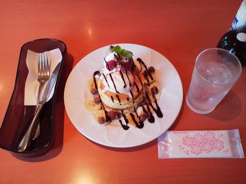 バースデーパンケーキ¥0-2 デニーズ大垣店