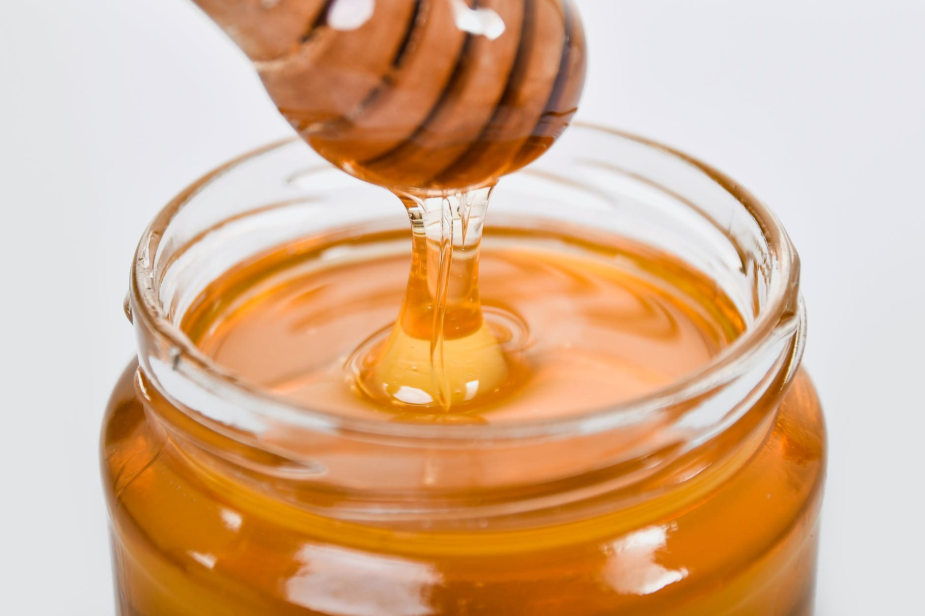 The benefits of eating honey on an empty stomach