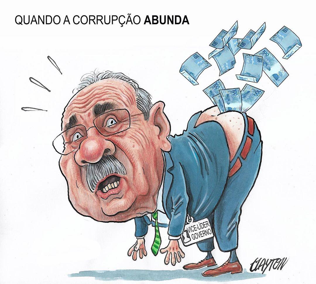 PF encontra dinheiro na cueca do senador Chico Rodrigues vice-líder do  governo