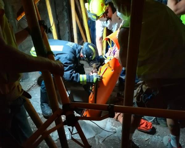 Bomberos rescatan a un obrero caído en un aljibe, Las Palmas de Gran Canaria