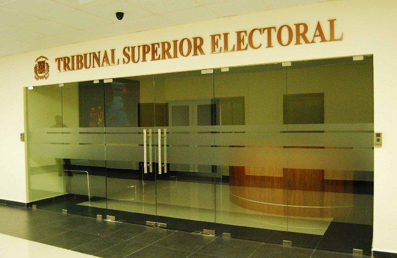 Consejo de la Magistratura escoge a Román Jáquez Liranzo como presidente del Tribunal  Superior Electoral