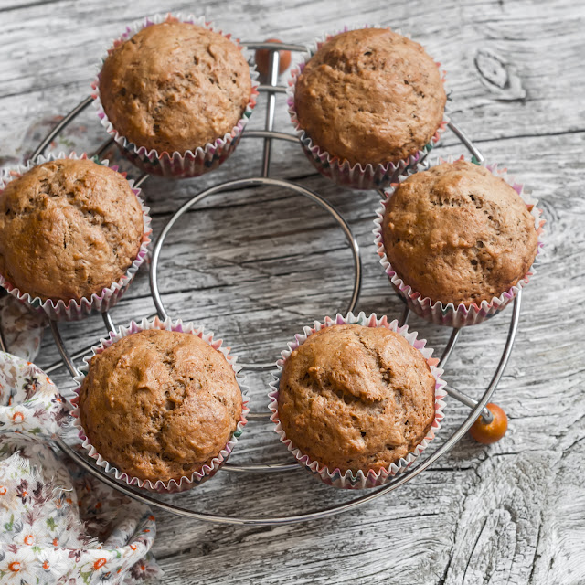 Oil free, flourless, vegan muffins for your breakfast